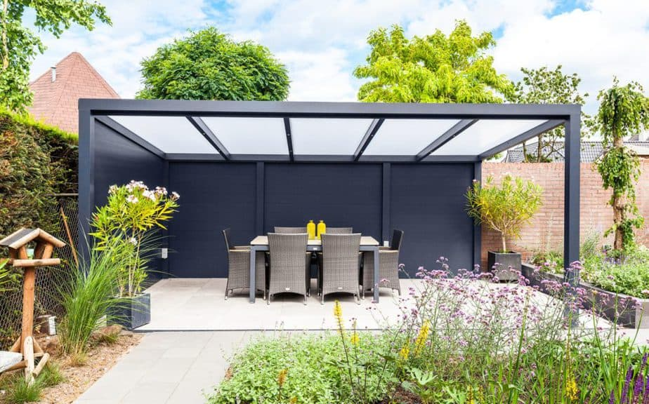 Vrijstaande aluminium terrasoverkapping © Deponti