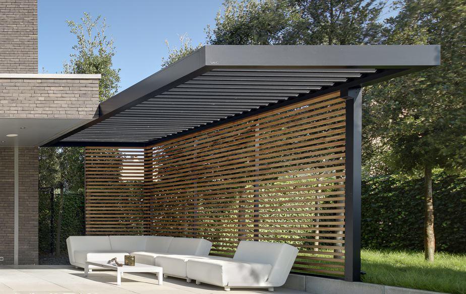 Aanbouw van Lamellen terrasoverkapping © Veldman zonwering