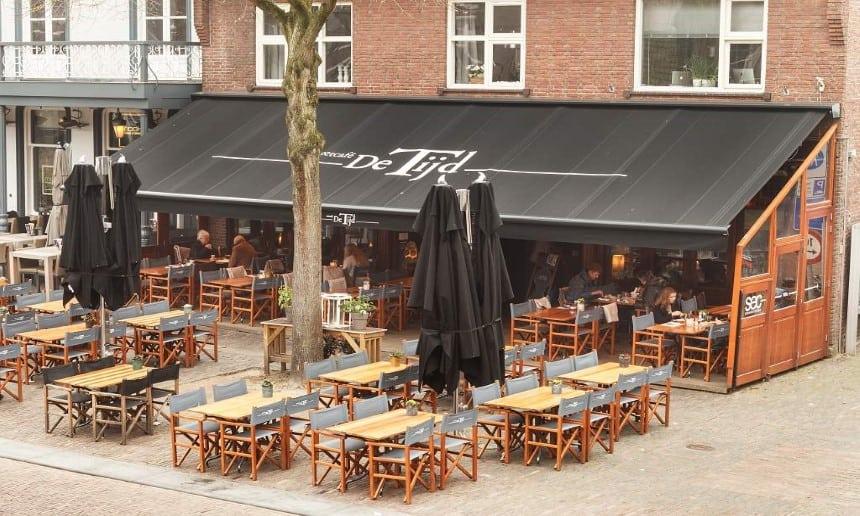 Terrasoverkapping met doek voor café's
