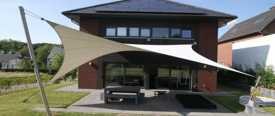Zonnescherm: De professionele shadowart zonnezeilen © Idgardenproducts.nl
